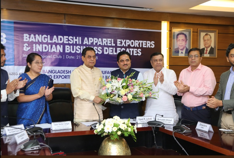 Mr. Siddiqur Rahman, President, BGMEA (2nd from Left) welcoming Mr Ujwal Lahoti, Chairman, TEXPROCIL, (3rd from Left) leader of the Indian delegation to Dhaka, Bangladesh for B2B meetings on 21st and 22nd July 2018