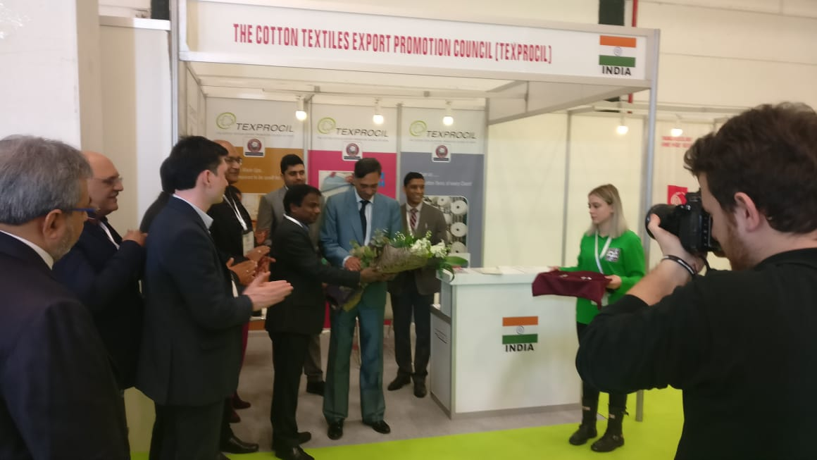 Consulate General of India Mr. Purnojyoti Mukherjee at TEXPROCIL Booth in Istanbul Yarn Fair, Turkey 2019